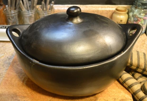 boeuf bourguignon in la chamba roaster | Brooklyn Homemaker