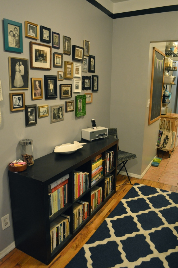 living room | photo gallery wall |Brooklyn Homemaker
