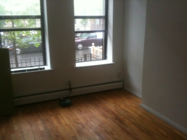 apartment before | Brooklyn Homemaker