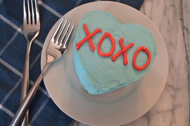conversation heart mini cakes | Brooklyn Homemaker
