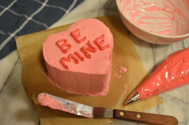 conversation heart mini cakes | Brooklyn Homemaker