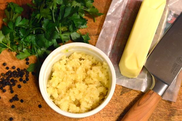 garlic herb compound butter | Brooklyn Homemaker