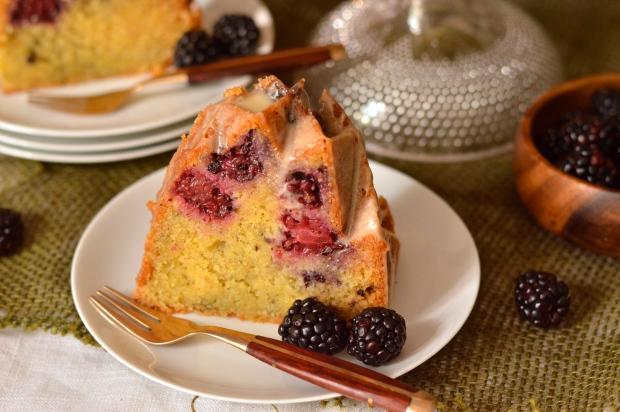 honey glazed blackberry cornmeal bundt cake | Brooklyn Homemaker