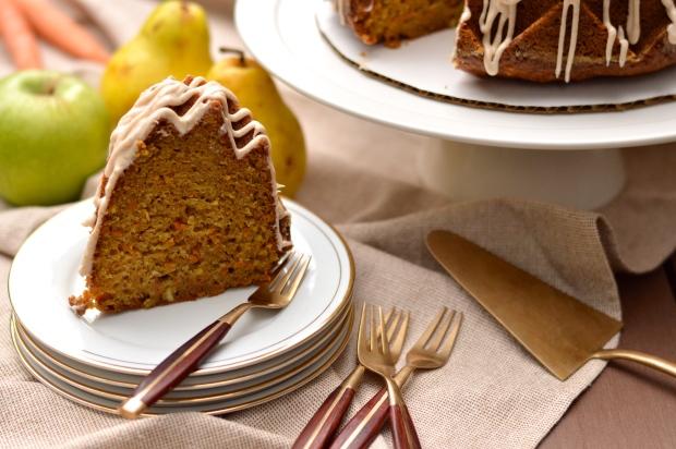 spiced harvest bundt cake with cream cheese glaze | Brooklyn Homemaker