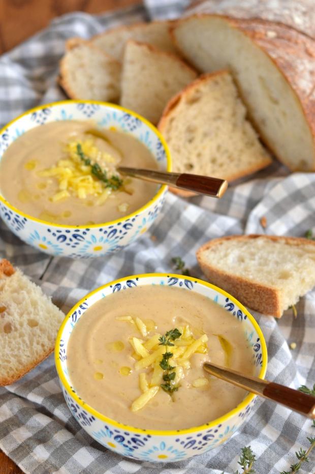 roasted cauliflower and cheddar soup | Brooklyn Homemaker