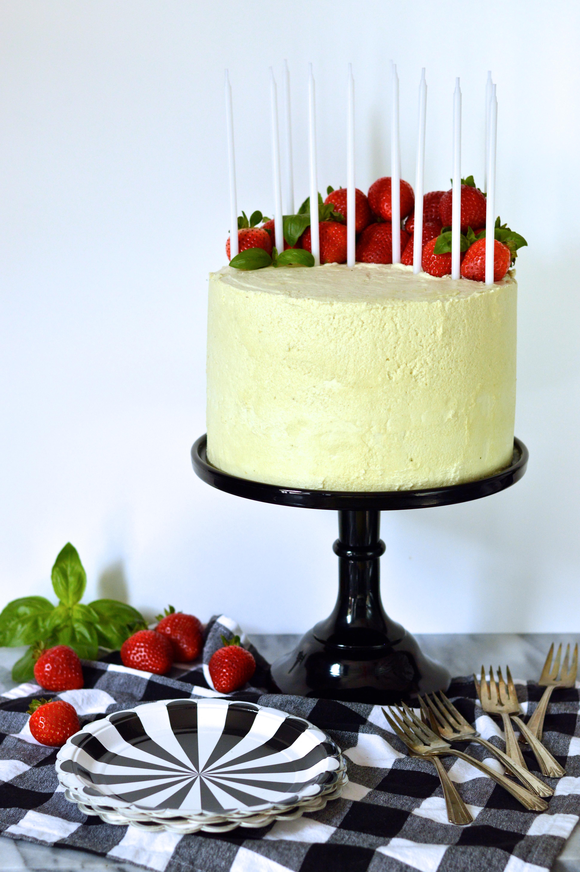 strawberry basil cake | Brooklyn Homemaker