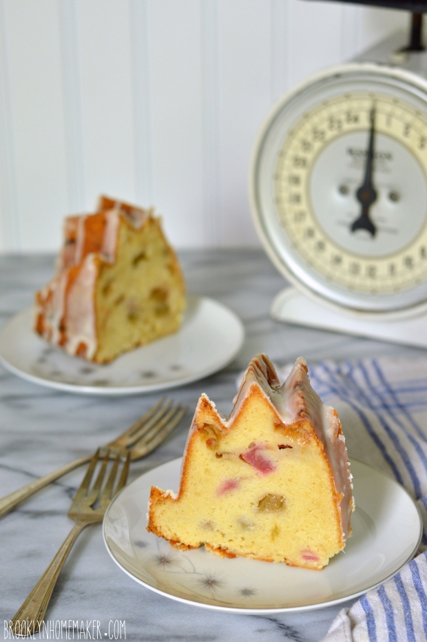rhubarb pound cake with lemon glaze | Brooklyn Homemaker