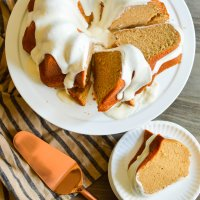 basic bundt series: spice cake